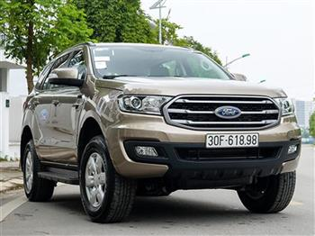 So găng SUV 7 chỗ Ford Everest Ambiente 2.0L 4x2 MT và Toyota Fortuner 2.4G 4x2 MT